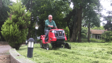 Lawn Care and Commercial Mowing - Ivan and Sons North London Gardeners
